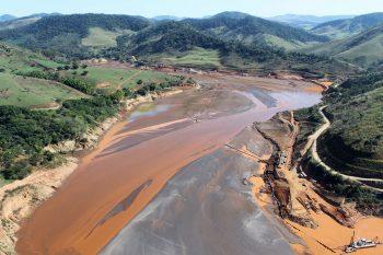 Reservatório da Usina Hidrelétrica Risoleta Neves (Candonga) atingido pelos rejeitos da mineradora Samarco, em Santa Cruz do Escalvado, Mina