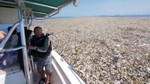 mar de lixo Caroline Power
