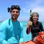 O veterinário Victor R. Souza e a nossa parceira de trabalho Talytha Rocha Soares, prontos para o mergulho de coleta de amostras.